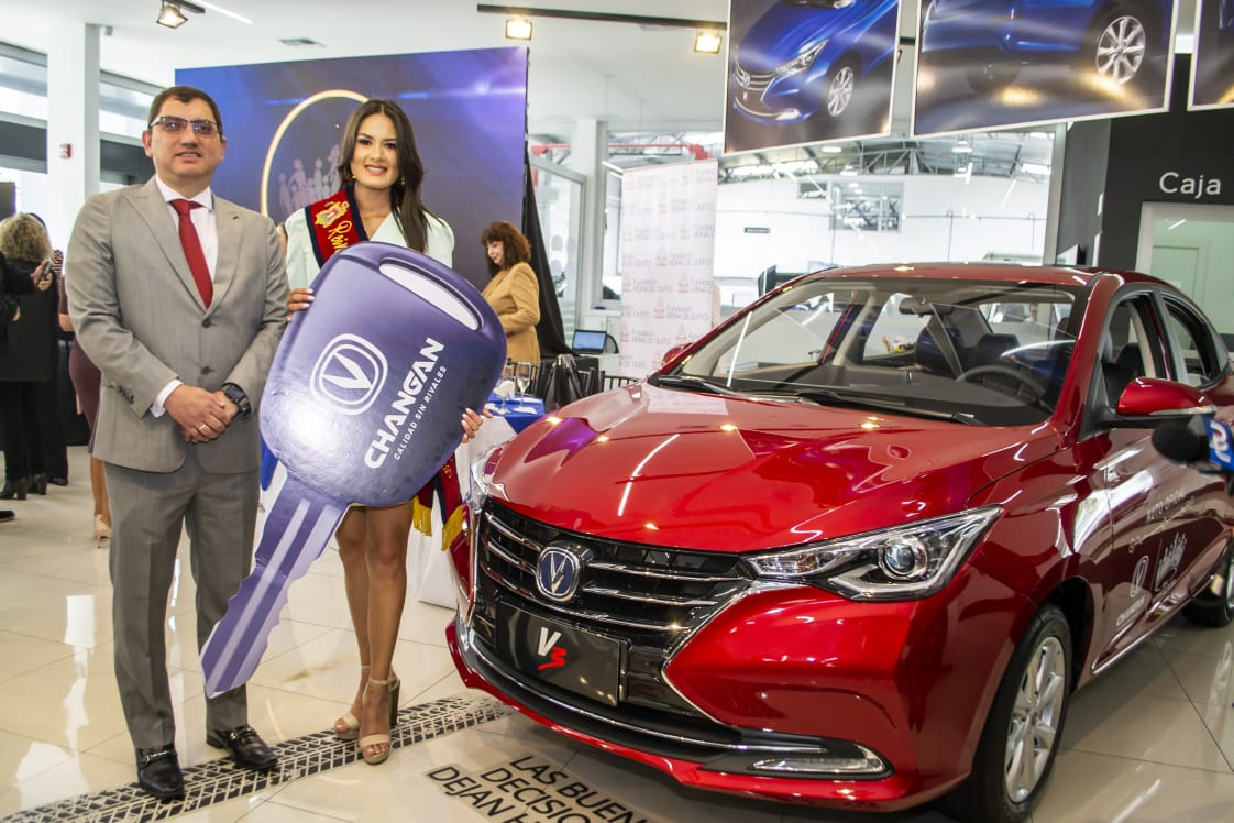 Changan Hizo La Entrega Del Auto A La Soberana De La Capital